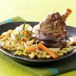 Souris-d-agneau-confite-et-ses-legumes,-jus-leger-au-romarin-31
